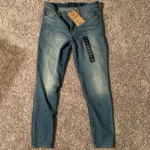 Lucky Brand Ava Skinny Jean 6/28 NWT